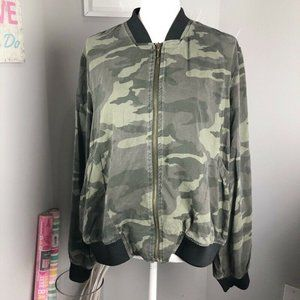 Sonoma Womens Bomber Jacket Green Camouflage Waist